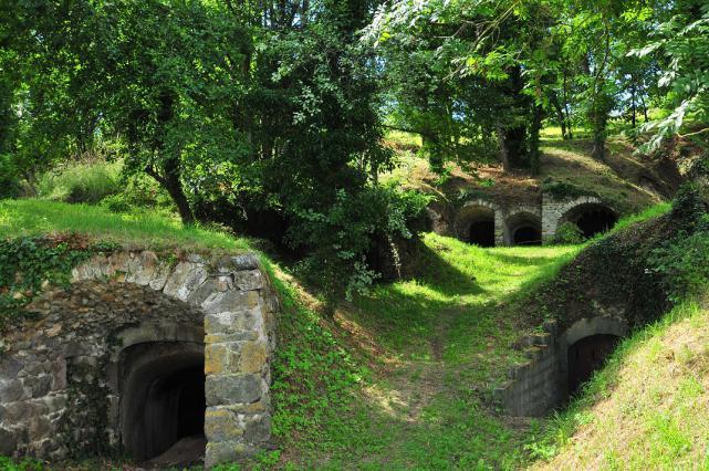 Site des 140 caves de Saint-Julien à Montaigut-le-Blanc