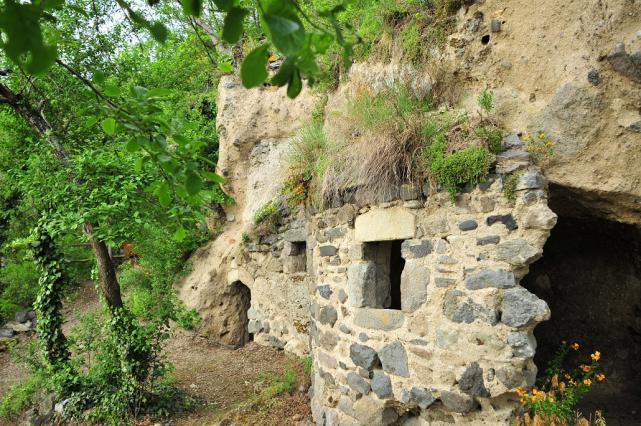 Village troglodyte de Perrier