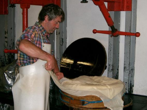 Préparation du fromage d'alpage