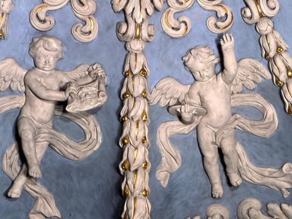 Église de Valloire, intérieur, détail des stucs de la voûte