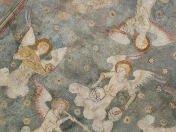 Détail des anges musiciens de la voûte peinte