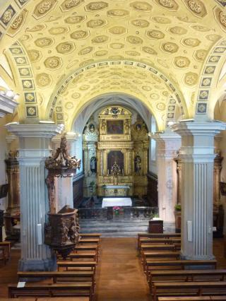 Vue de l'intérieur de l'église Saint-Gras