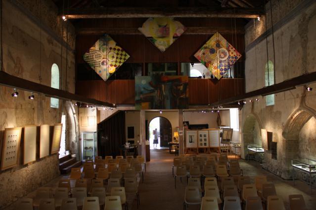 L'intérieur du prieuré de Chirens