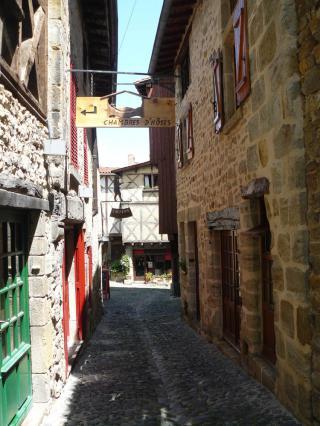 Rue des boucheries, quartier médiéval de Billom