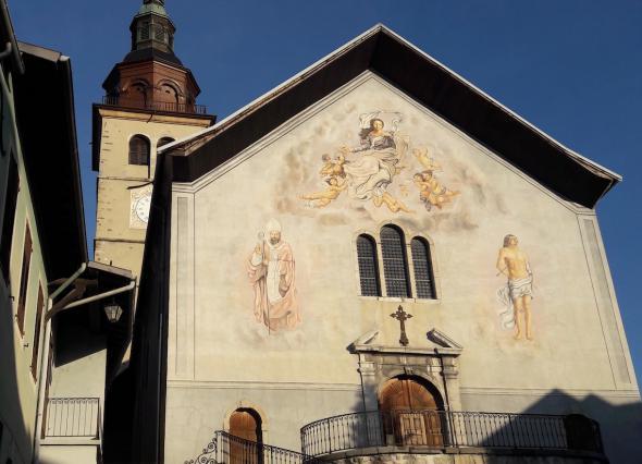 façade de l'église de Conflans, saint Grat est à gauche.