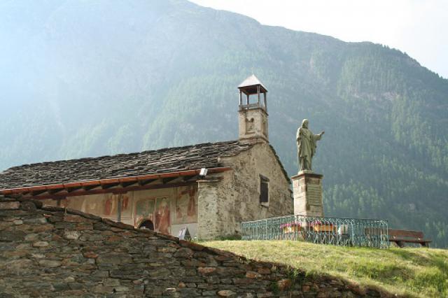 Bessans, chapelle Saint-Antoine et statue Père