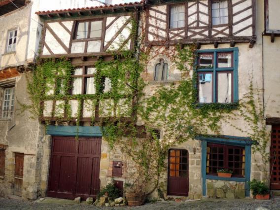 Maisons à pans de bois, rue des boucheries, quartier médiéval de Billom