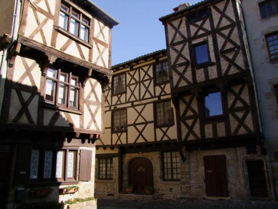 Maisons à pans de bois quartier médiéval de Billom