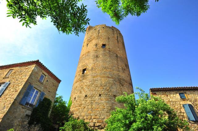 Tour de Montpeyroux - début du 13e siècle