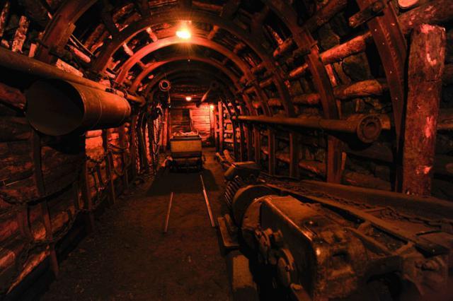 Reconstitution d'une galerie de la mine au musée de Brassac