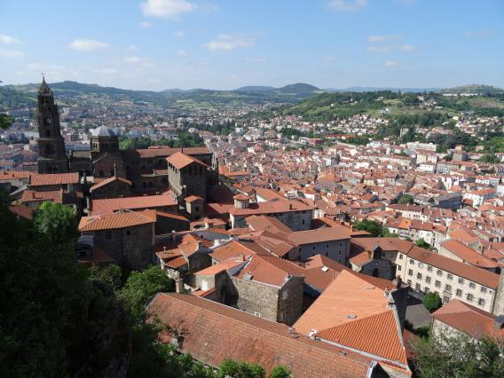 Le quartier cathédral du Puy-en-Velay, vue depuis le rocher Corneille