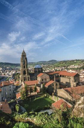 Le quartier cathédral du Puy-en-Velay , la cathédrale, le cloître, le logis des clergeons
