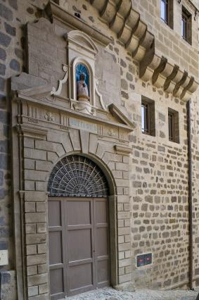 Ancienne entrée de l'Hôtel-Dieu du Puy-en-Velay