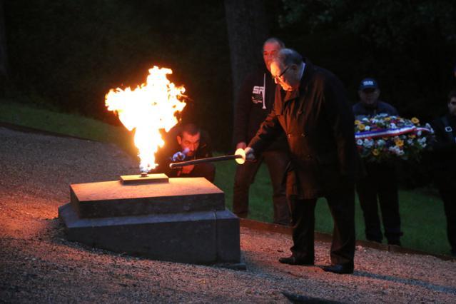 Ravivage de la flamme - Commémoration du 14 juin 2016