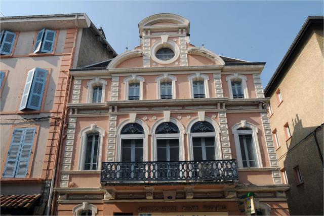 Façade d'un immeuble à Voiron