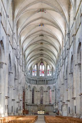 Cathédrale Saint-Maurice, avec la nef, le choeur et l'abside