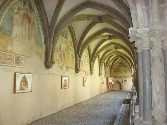 Galerie du cloître de l'abbaye d'Abondance