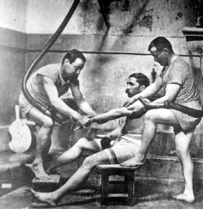 Douche aixoise ou douche massage, Thermes nationaux, début du 20e siècle