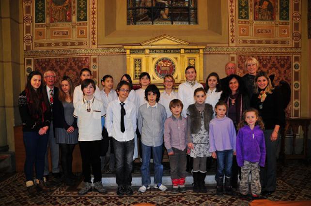 Christmas Songs par un chœur d'enfants à l'église Saint-Swithun