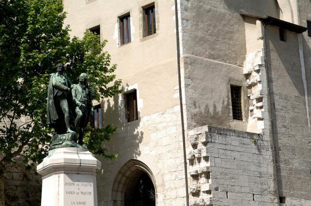 Statue des frères de Maistre