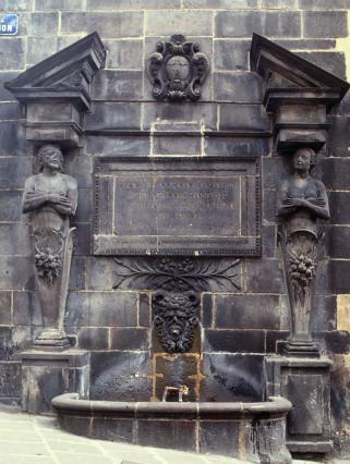 Fontaine d'Adam et Eve, Riom