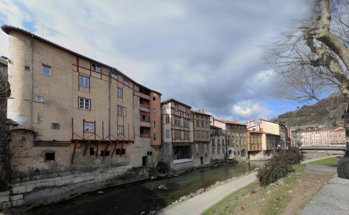 Le front de Gère en aval du pont Saint-Martin
