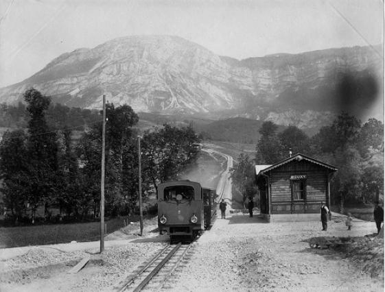 Photographie de la gare à crémaillère de Mouxy, fin du 19e siècle