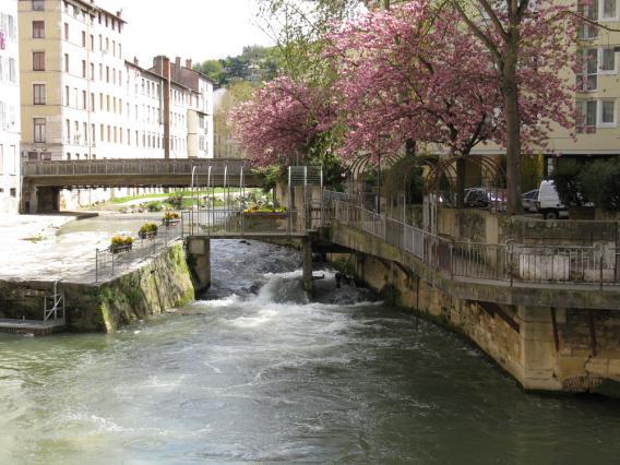 L'ancien barrage du Gauchon, en aval du pont Saint-Marti
