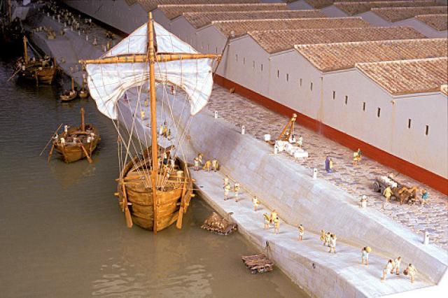 Maquette des entrepôts de Vienne antique sur la rive gauche du Rhône vers 200 après J.-C., Musée gallo-romain de Saint-Romain-en-Gal-Vienne