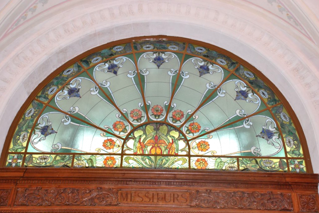 PalaisLumiere_Vitrail