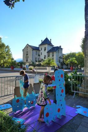 Atelier pour enfants devant l'Hôtel de Ville, ancien château des marquis d'Aix, Journées européennes du patrimoine 2015