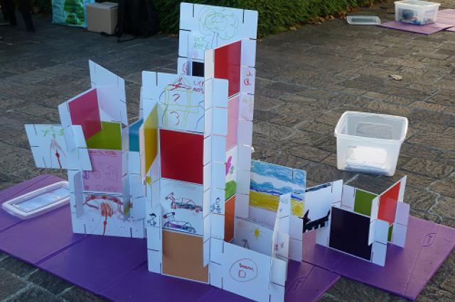 Maquette collective d'un bâtiment imaginaire du 21e siècle réalisé par des enfants, Journées européennes du patrimoine 2015