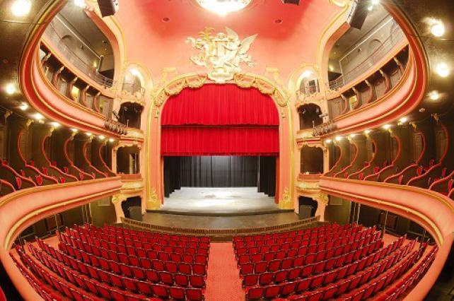 Salle et scène du théâtre du Casino d'Aix-les-Bains, 2015
