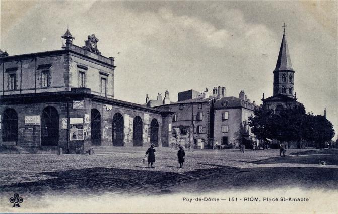 Place Saint-Amable vers 1900, carte postale ancienne, Riom