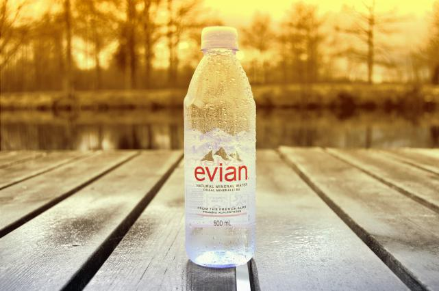 eau_evian®