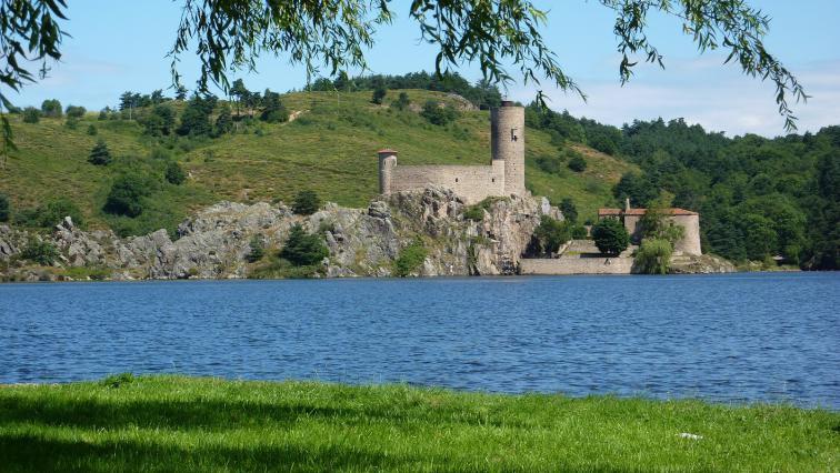 Lac et île de Grangent