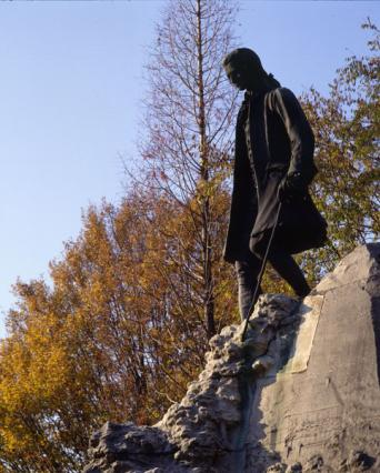 La statue de Rousseau