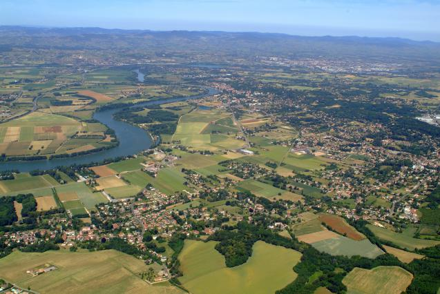 Vue aérienne Trévoux Saône vallée
